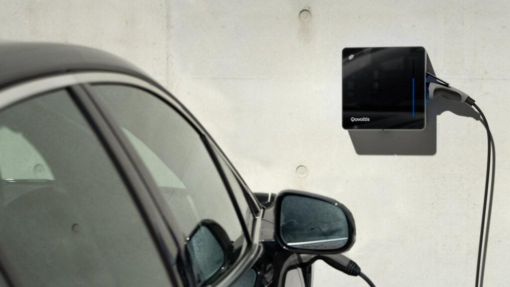 Qovoltis, borne de recharge pour véhicule électrique pour la maison, destinée aux particuliers